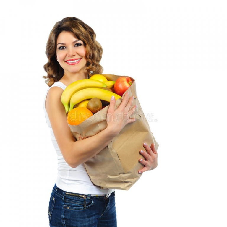 chica-joven-con-las-frutas-en-la-bolsa-de-papel-aislada-en-blanco-28843265.jpg