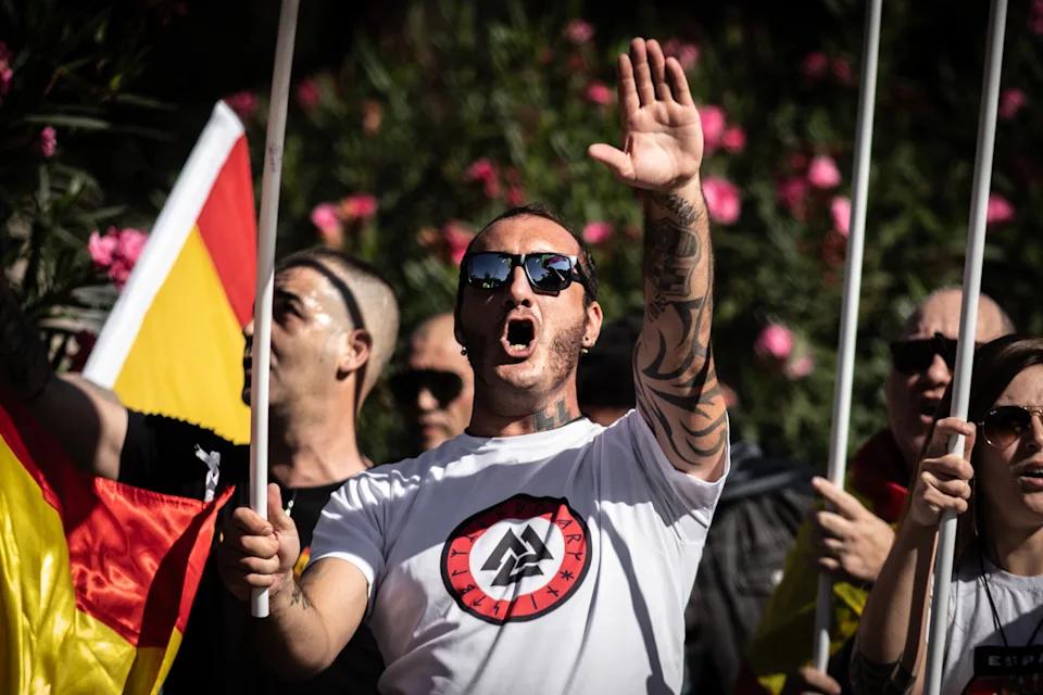fascistas 5.png